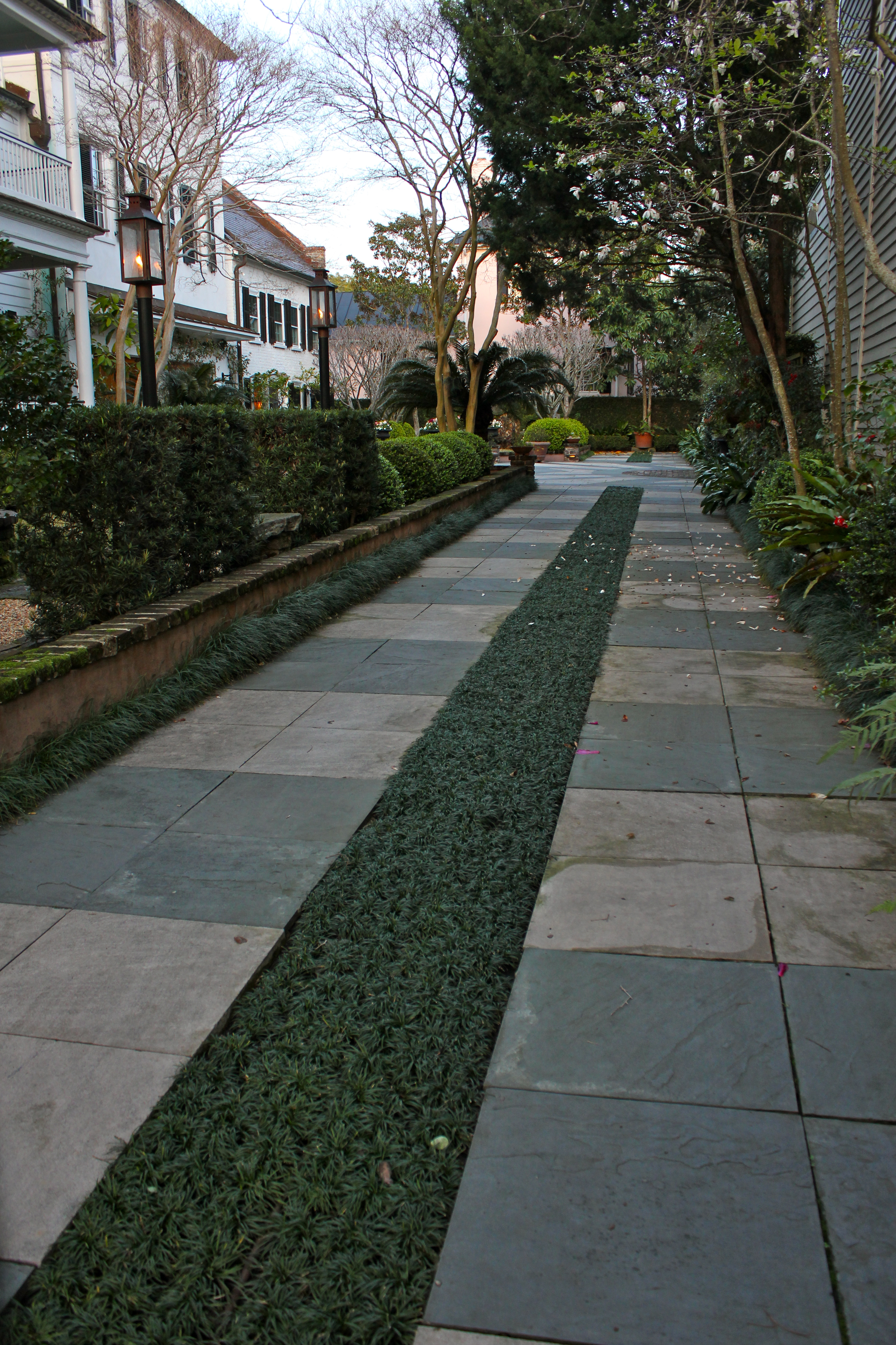 Permeable driveways with design in mind simply gardens for Landscaping rocks charleston sc